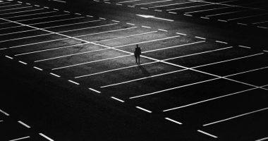 Jak ułatwić sobie parkowanie w miastach?